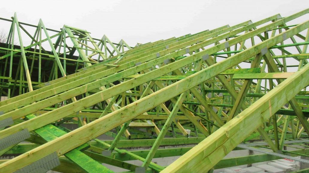realizacja dachu pawilonu handlowego dino