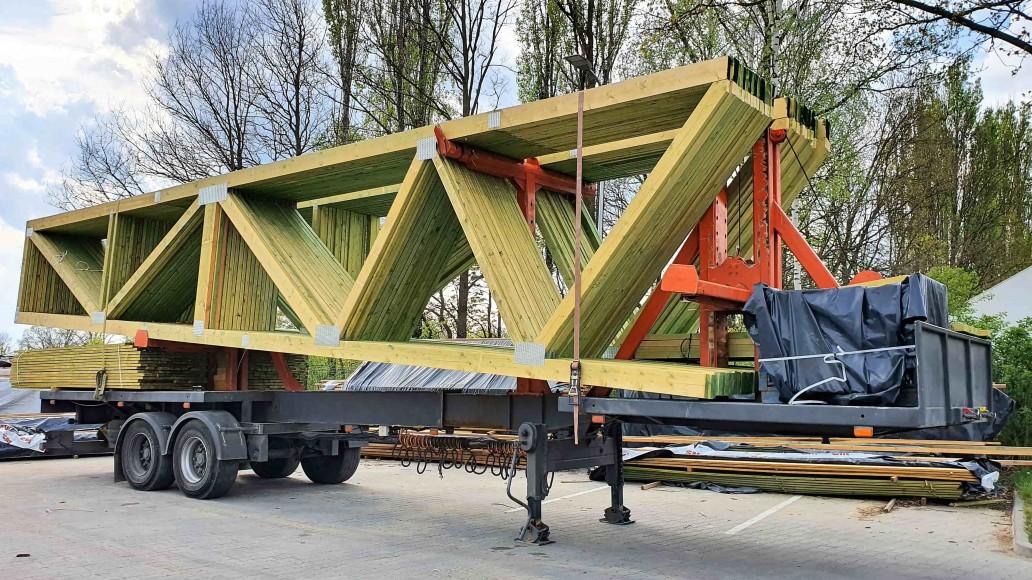 transport wiązarów dachowych