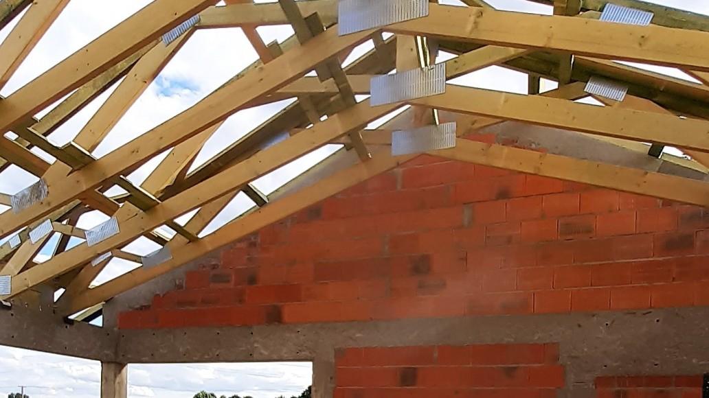 drewniany dach domu sierpów (2)