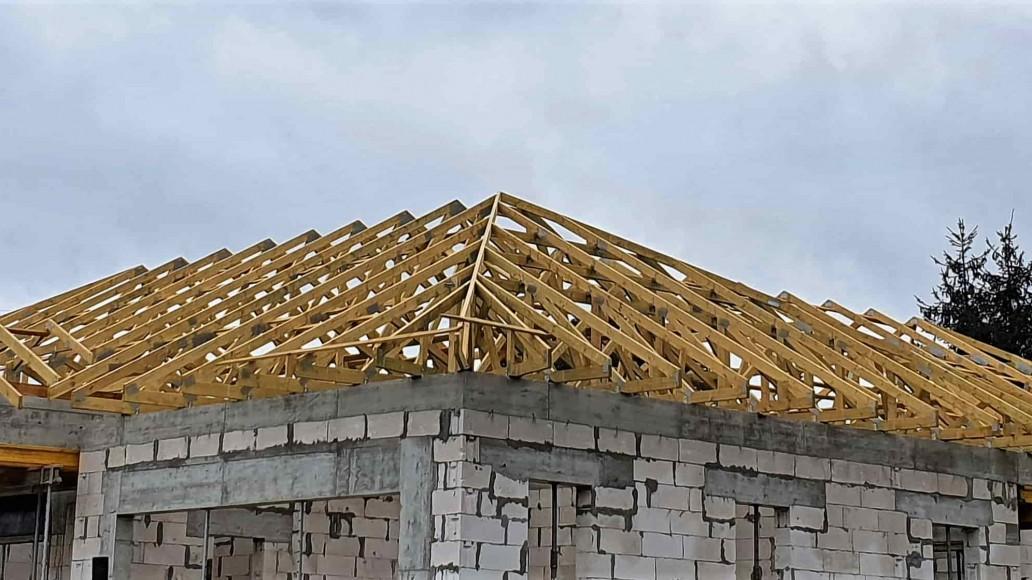 dach domu janów