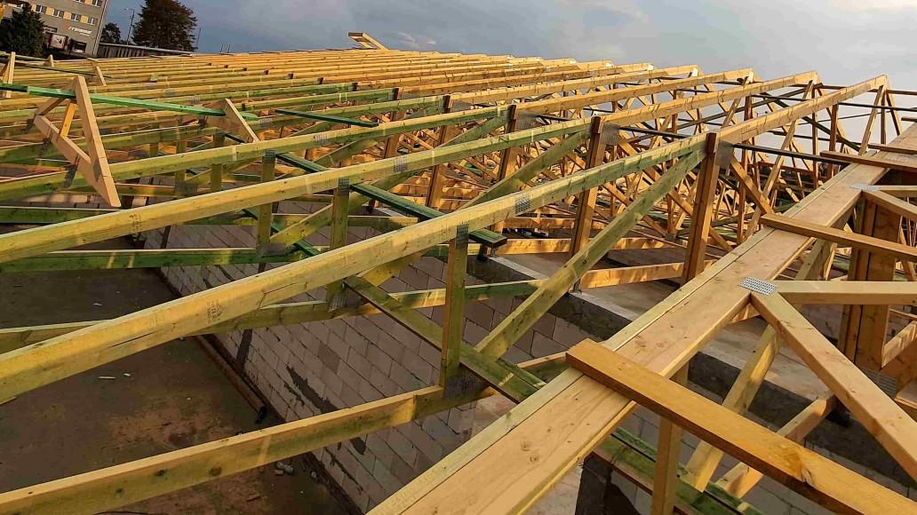 dach pawilonu handlowego tuszyn (2)
