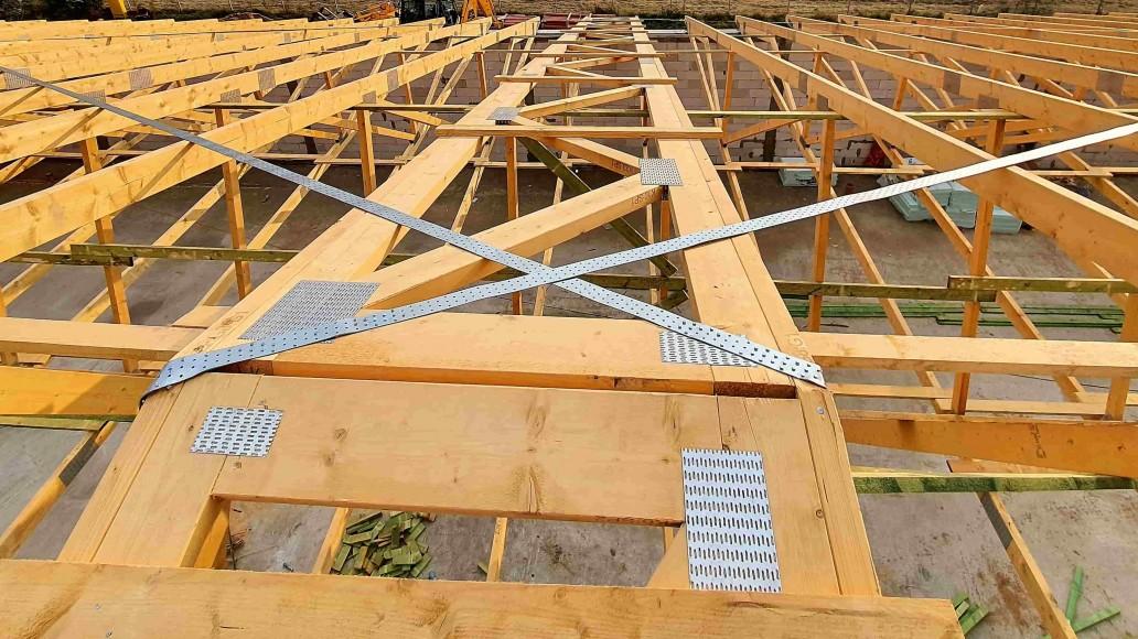 dach pawilonu handlowego tuszyn (4)