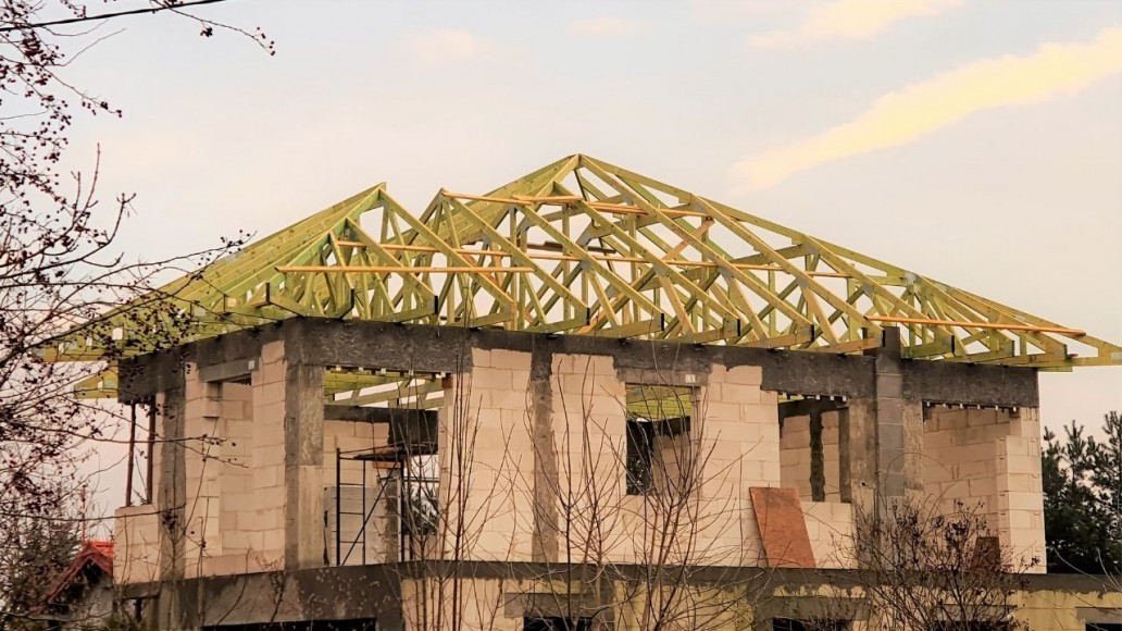 drewniany dach domu ksawerów(4)