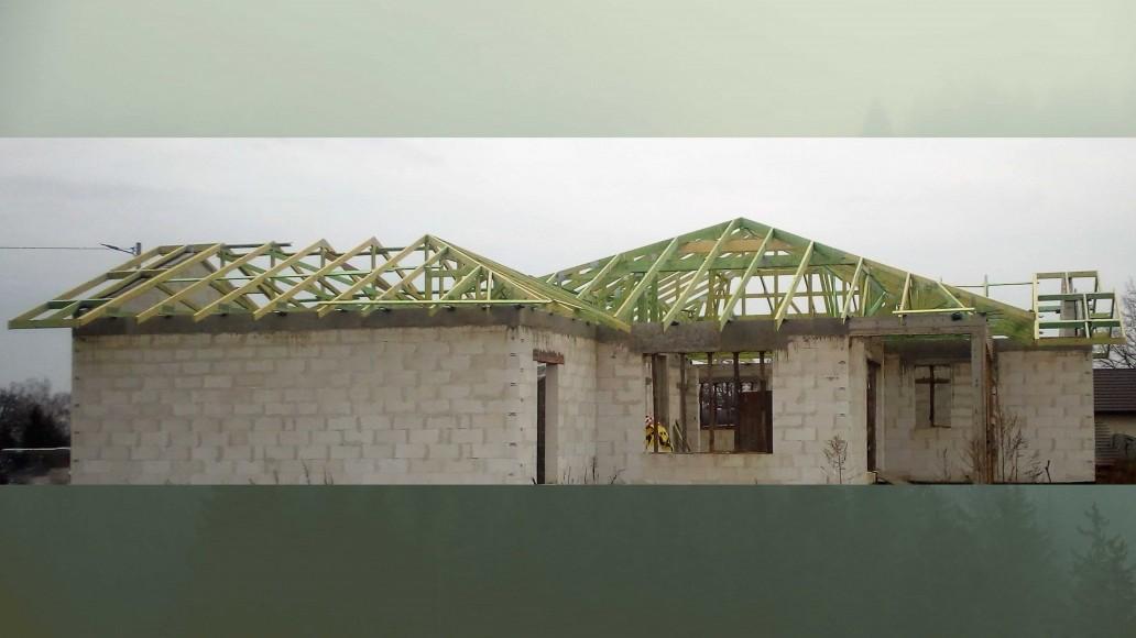 drewniany dach domu wolica