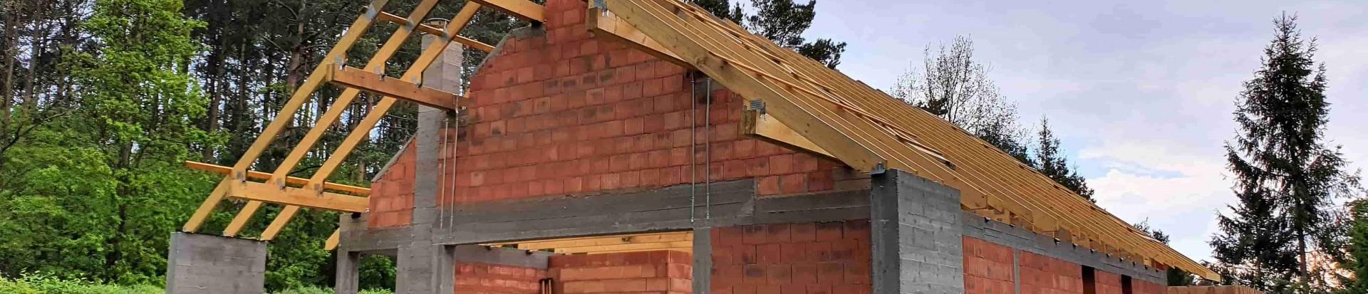 Konstrukcja dachu domu jednorodzinnego w miejscowości Rąbień
