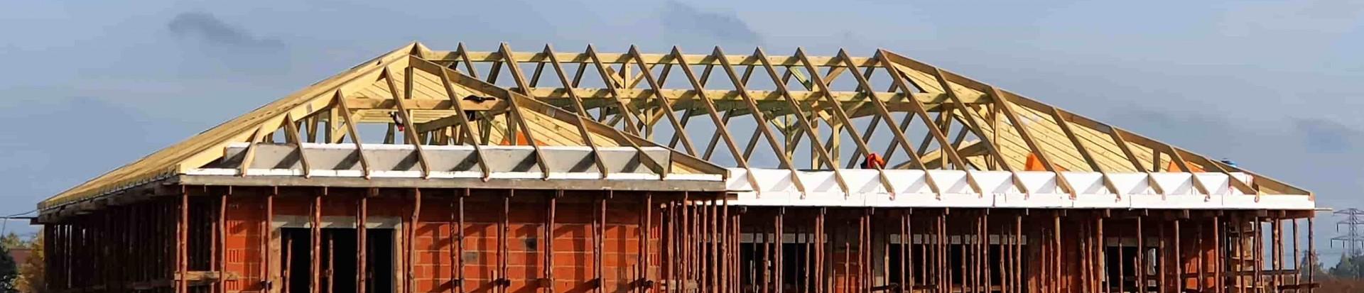 Kontynuacja realizacji konstrukcji dachu w Starowej Górze
