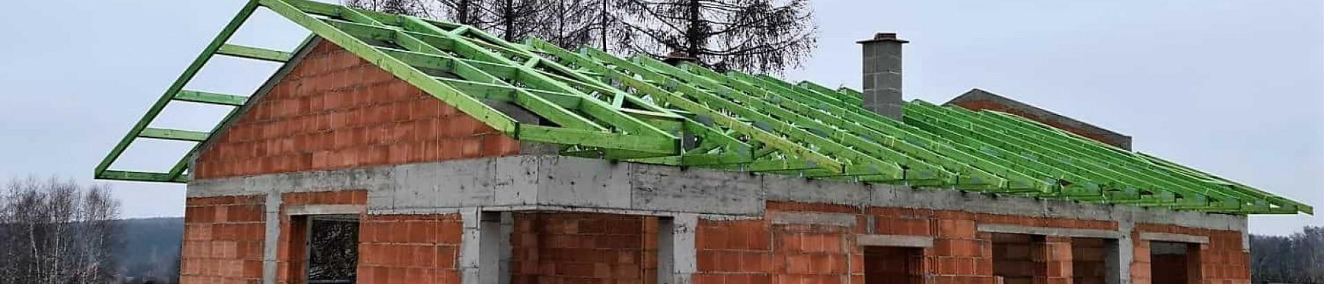 Realizacja prefabrykowanej konstrukcji dachu domu  przy ul. Okólnej w Łodzi