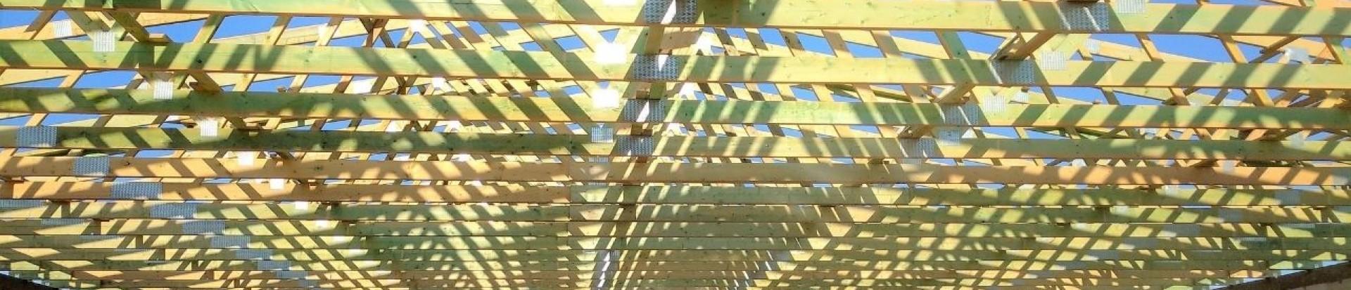 Konstrukcja drewniana dachu pawilonu handlowego w Leżajsku