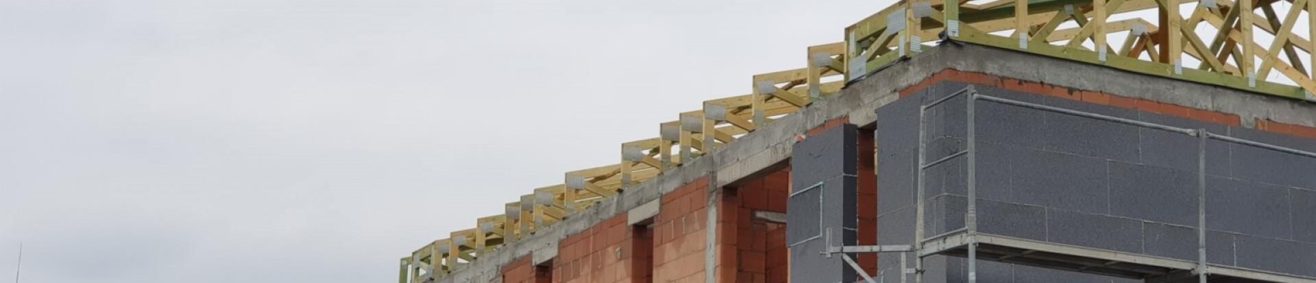 Konstrukcja dachów budynków w miejsc. Ksawerów