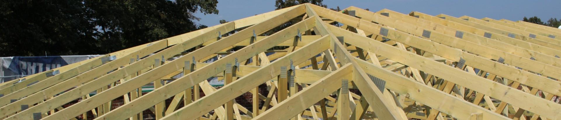 Realizacja dachu budynku biblioteki w miejsc. Bełdów