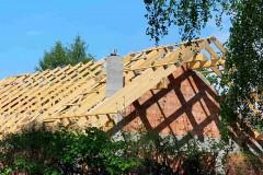 dach drewniany domu w rąbieniu (5)