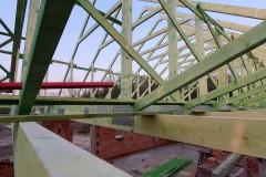 drewniana konstrukcja dachu domu w świątnikach(5)