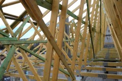 dach drewniany pawilonu aldi bełchatów(2)