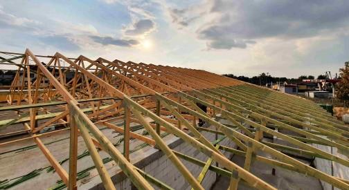 Konstrukcja dachu pawilonu handlowego w Tuszynie - kontynuacja prac