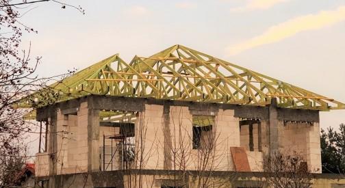 Realizacja dachu domu mieszkalnego w Ksawerowie