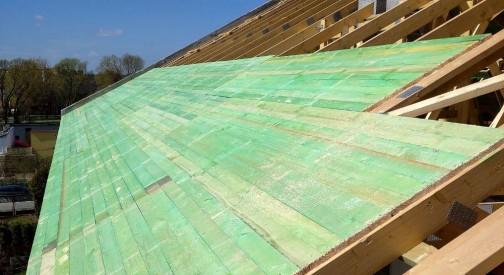 Drewniana konstrukcja dachowa pawilonu handlowego w Bełchatowie