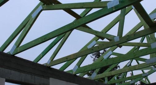 Montaż konstrukcji dachu w miejscowości Żeromin