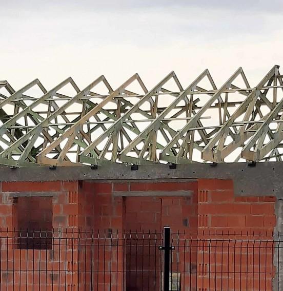 Realizacja drewnianej konstrukcji dachu w miejscowości Sierpów