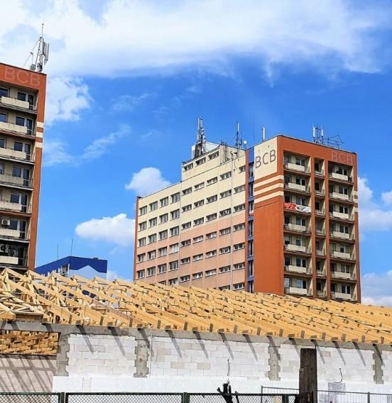 Realizacja nowoczesnego systemu dachowego pawilonu handlowego w Łodzi