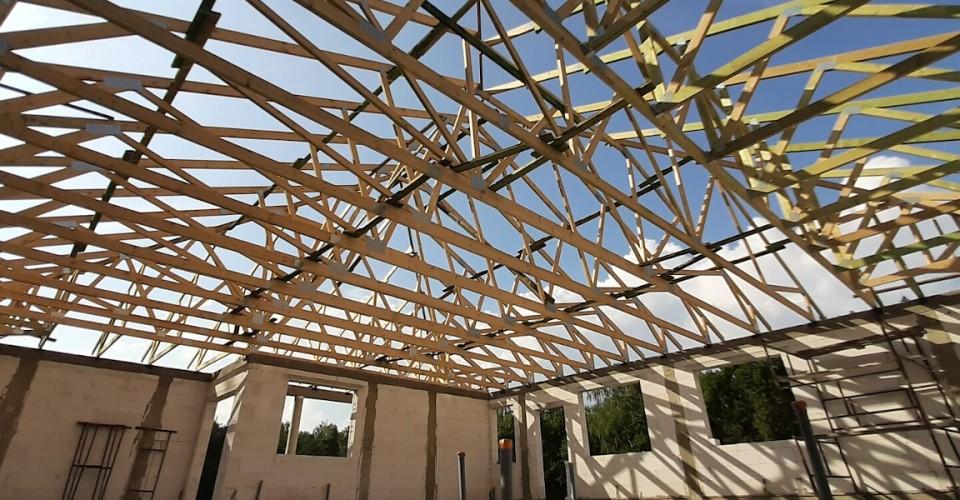 Realizacja dachu budynku mieszkalnego w miejsc. Wągry