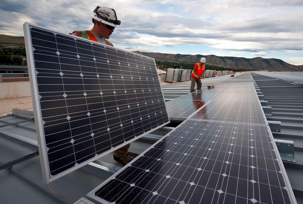 panele słoneczne montaż