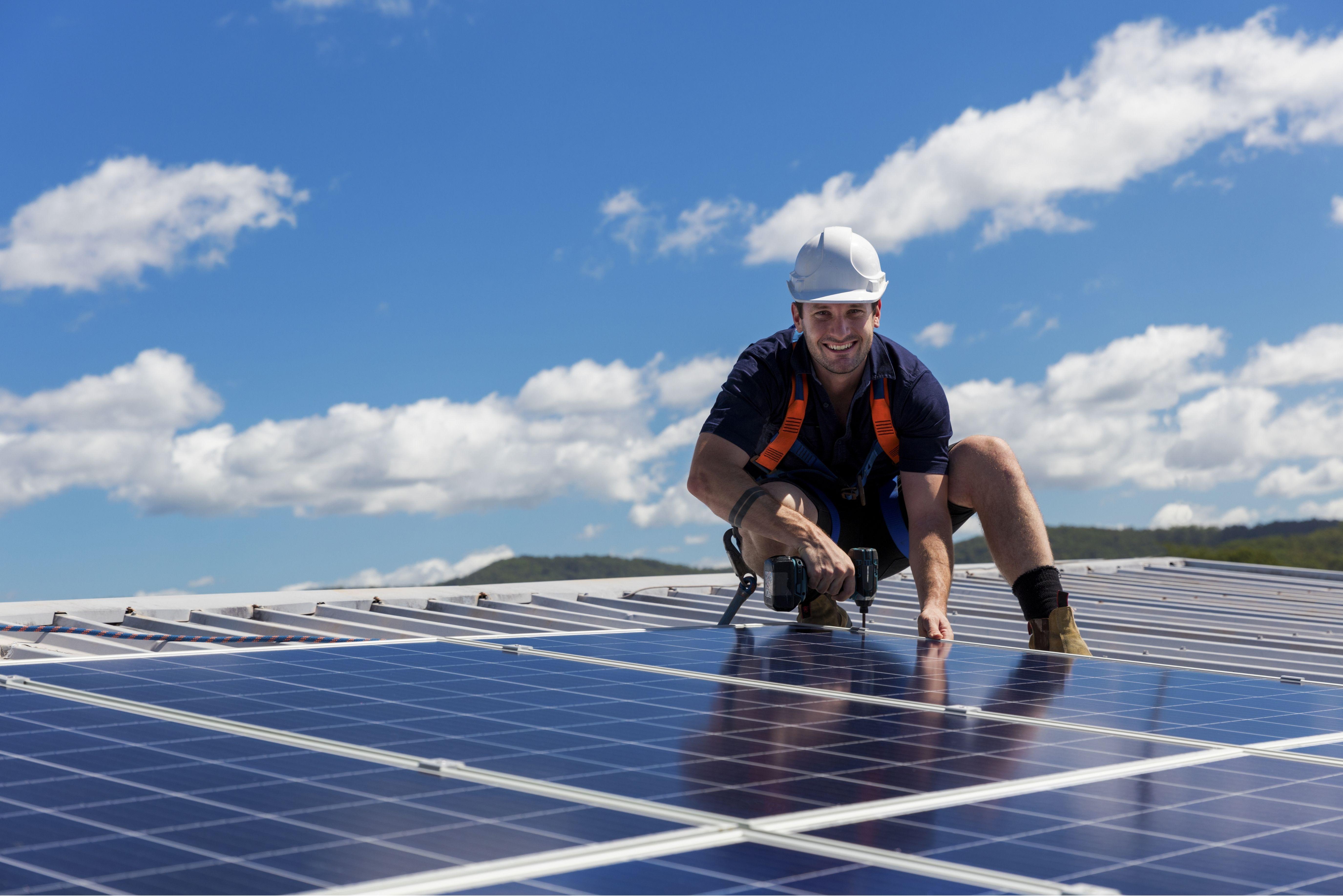 jak montować panele słoneczne