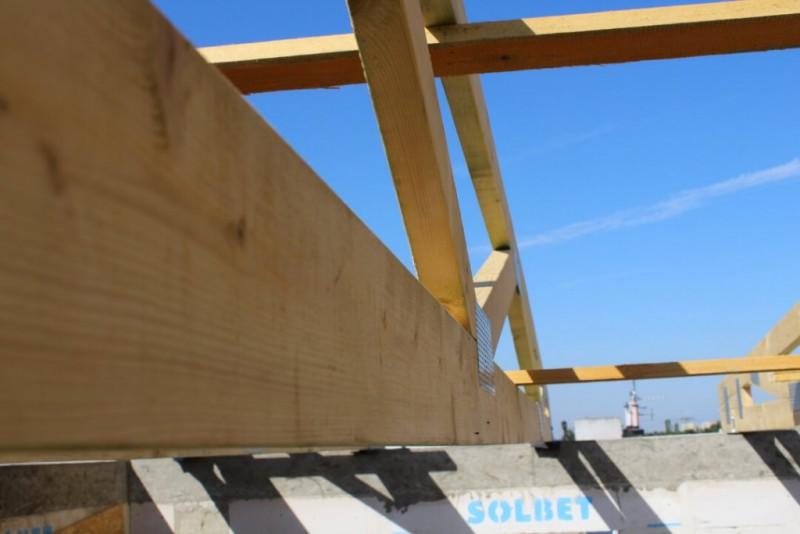 elementy-wiezby-drewnianej-dachu-budynku